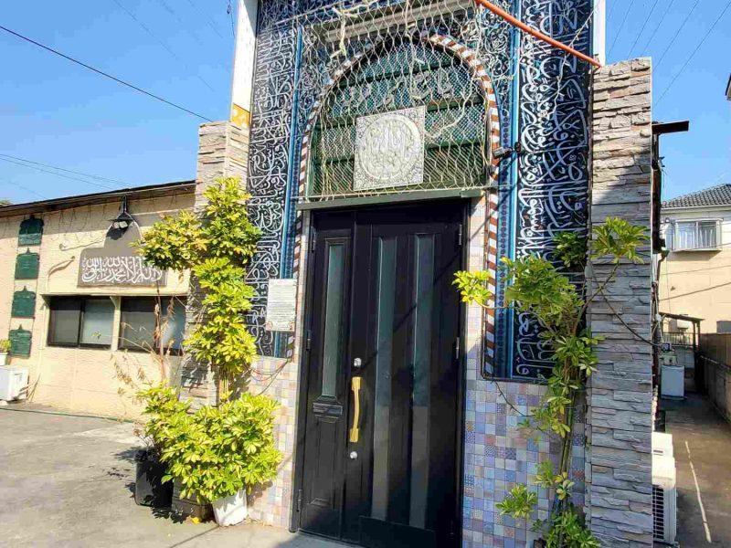 yashio_masjid_front_door_square