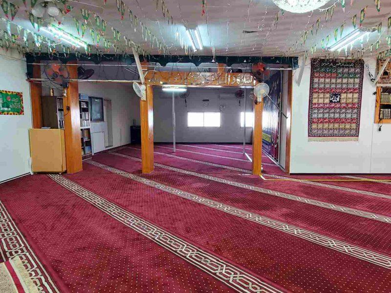 yashio_masjid_inside_square